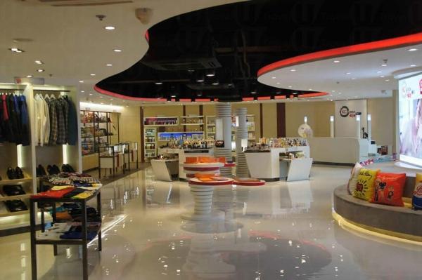 KC Korea 的旗艦店正式登陸觀塘,是全港首個多元化韓國美容時尚產品總匯
