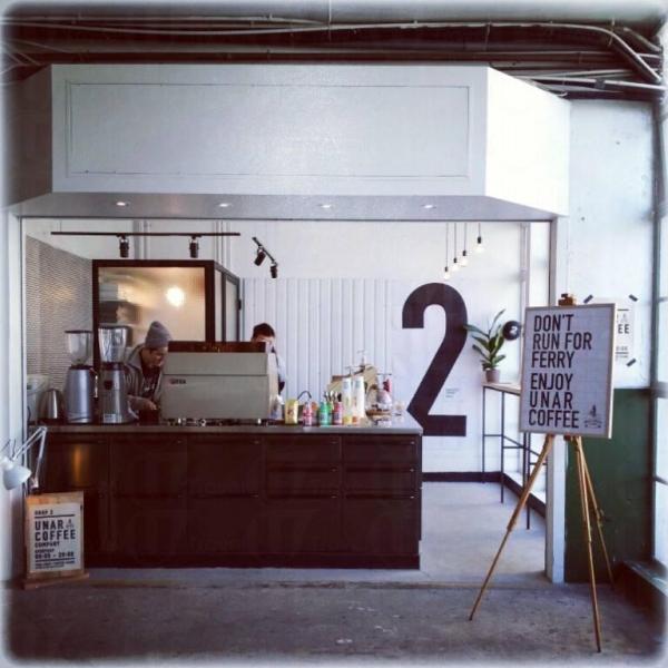 新店裝潢簡約,貫設品牌活化舊物、融入該區的概念。