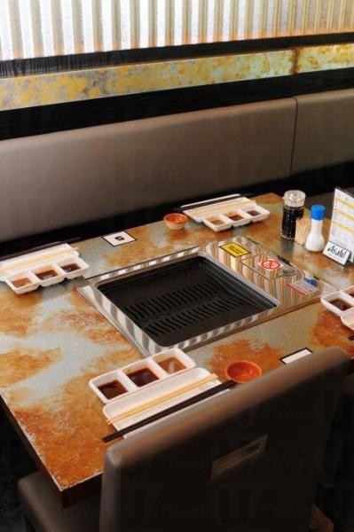 燒魂族以紅外線烤爐配易潔板來烤肉