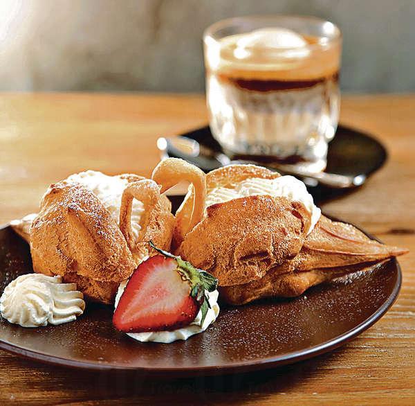 Swan puff $20/件泡芙與Cream都是自製,忌廉少甜但有奶油香。