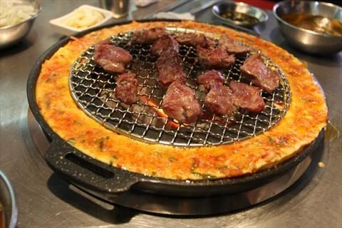 特別推介三層架「牛/豬套餐」,能一次過吃到三款品質最高的上等靚肉