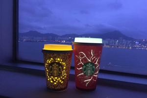 超簡單又有氣氛!自製環保Starbucks聖誕紙杯燈