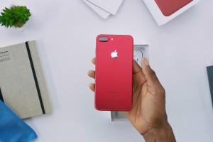 亮面鋁合金殼好吸引! 紅色iPhone7 開箱率先睇