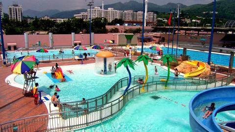 $17就玩到!全港13大公眾泳池滑水梯