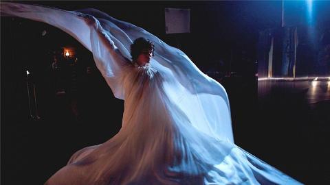 為跳舞去到盡!尊尼特普女兒新作《巴黎影舞者》華麗詮釋現代舞