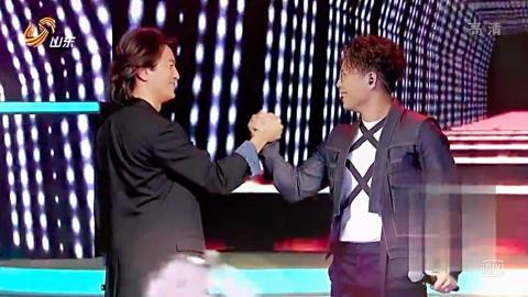 鄭伊健孖林曉峰合唱古惑仔主題曲《友情歲月》!重現20年前「浩南哥」霸氣出場