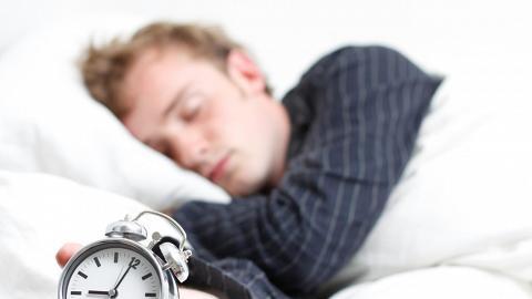 美國研究:連續2星期6小時睡眠 相等於通頂2日