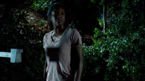 新戲《Breaking In》悍匪闖宅脅持子女 地表最強母親抗敵不手軟