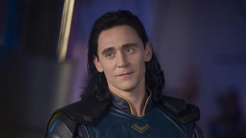 發現粉絲手上有自殘傷痕 Tom Hiddleston抱緊對方送上溫暖的一句話:I Got You