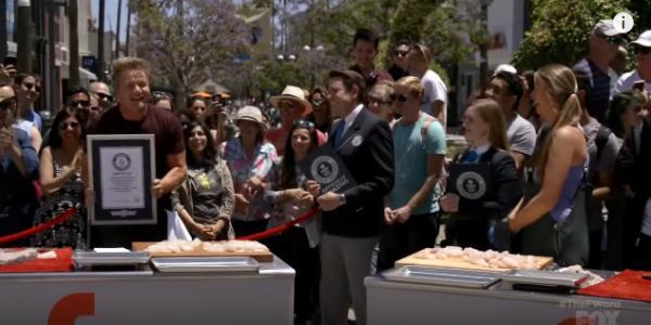 Gordon Ramsay破健力士「最快切魚」記錄!網友讚真正廚神