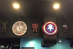 牆上有不少MARVEL系列裝飾(圖:FB@洪水橋生活雜記)