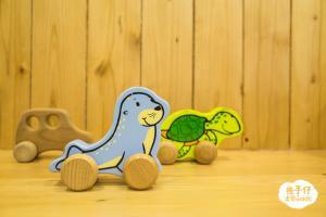 超可愛木玩具。