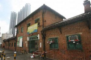 牛棚藝術村的紅磚和瓦蓋頂令其顯得中西合璧。