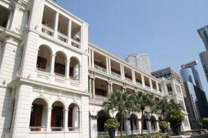 前水警總部已化身酒店和餐廳,光顧更可參加免費導賞,認識歷史。