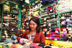 「彌敦毛冷」是瓊華中心場內老店,商場開業時已進駐。