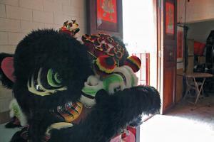 侯王宮仍維持每十年打醮的傳統,屆時會舞獅慶祝。