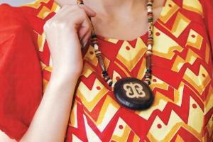 迦納傳統飾物:傳統符號 Adinkra頸鏈 $80 -$120。