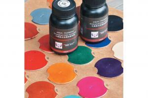 Alvin 表示他們所售的顏色最多最齊。