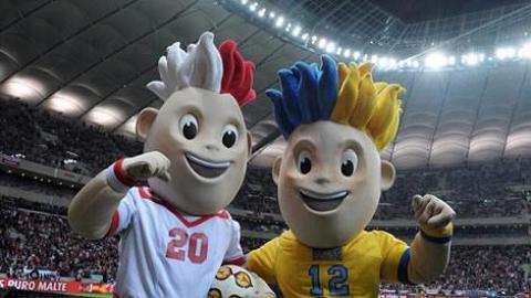 歐國盃大狂熱 搶飲噱頭「勝利酒」祝捷