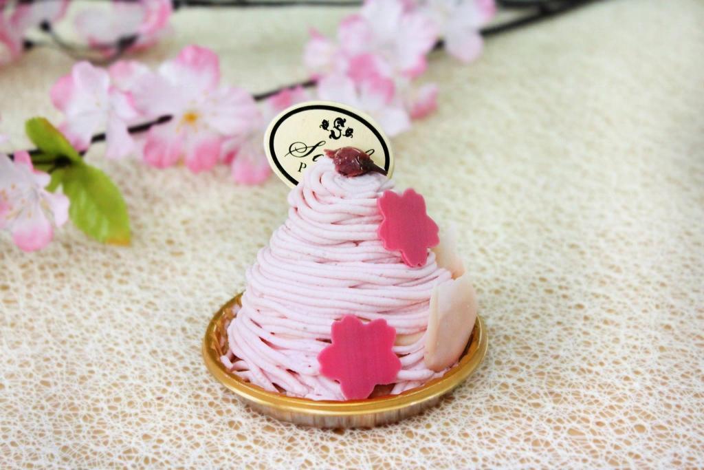 博洛尼亞 和風櫻花系列甜品