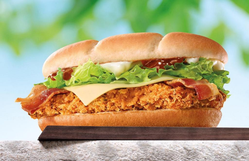 迷你兵團再度出擊 麥當勞新出「騎騎笑煙肉雞堡」