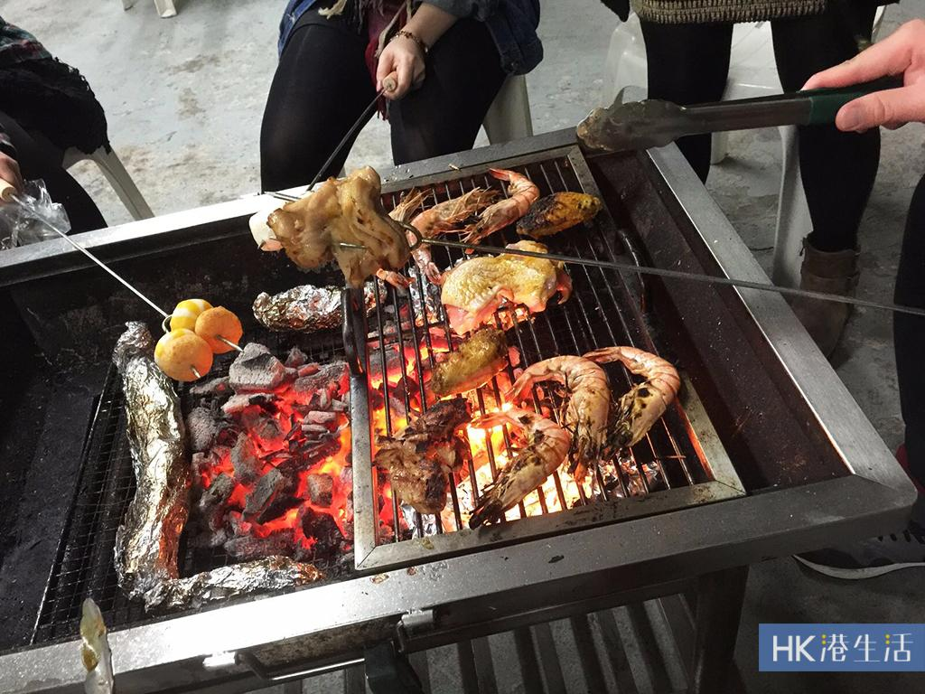 天台BBQ場夏日優惠!$200有找燒鮑魚、扇貝、黑毛豬