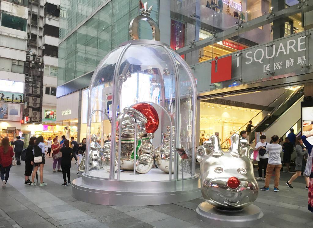定時旋轉!全港首個「PANDORA巨型聖誕鐘」
