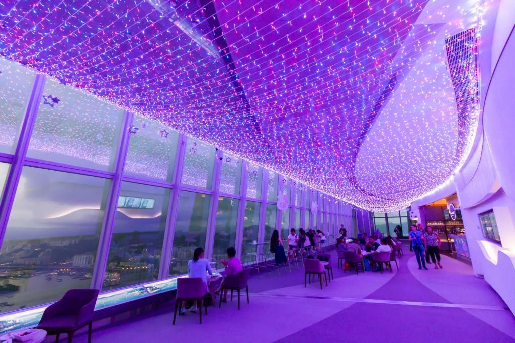 超過35000顆LED燈海 聖誕再度登場