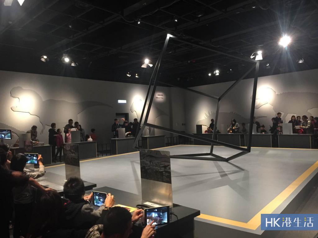 AR+VR近距離體驗!科學館超感官暴龍展