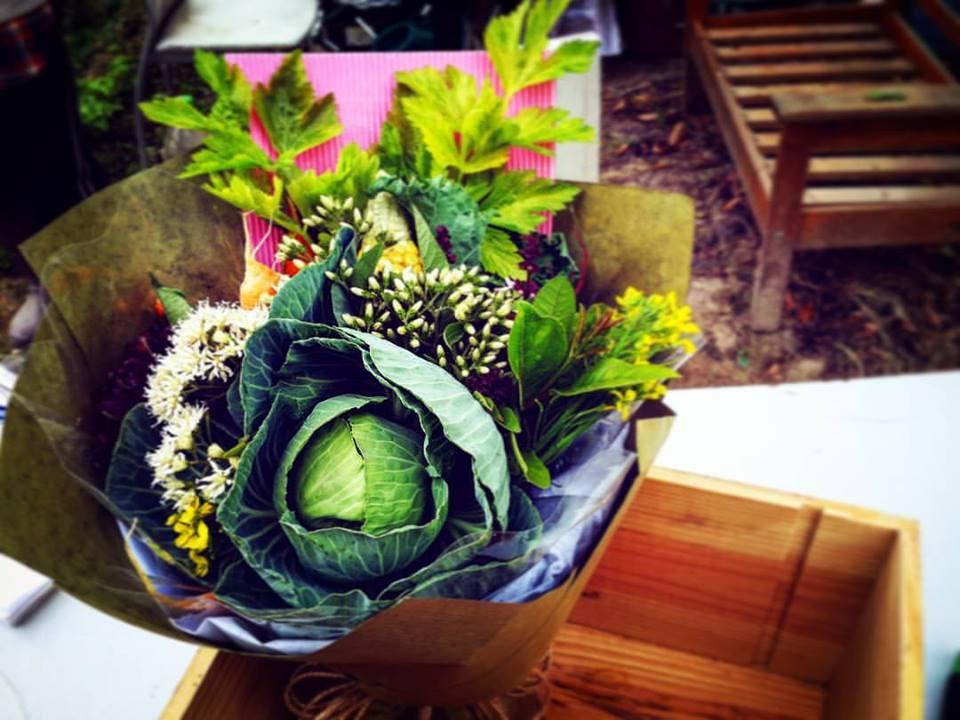 霸氣又環保!北區農墟學紮有機蔬菜花束