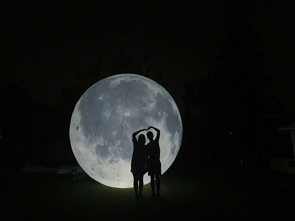 5米高巨型月亮/兔仔!大埔12000呎湖畔草地BBQ