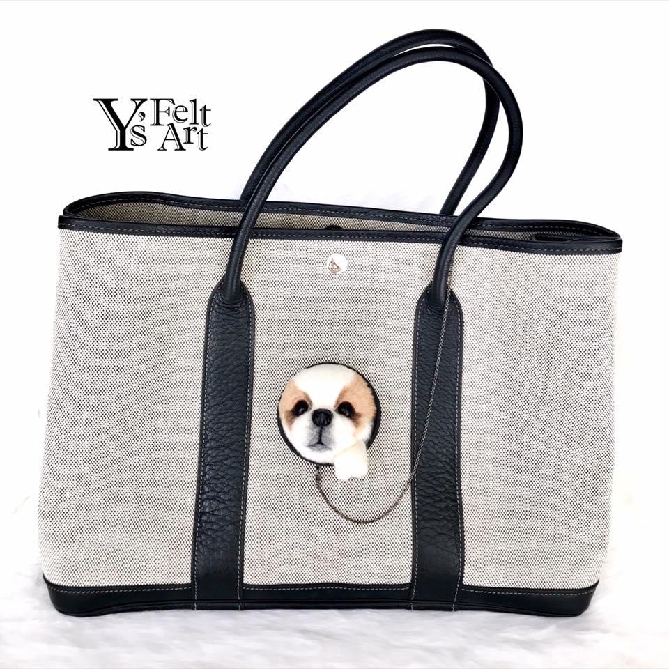 日本設計羊毛氈手袋配飾!得意寵物探頭偷望