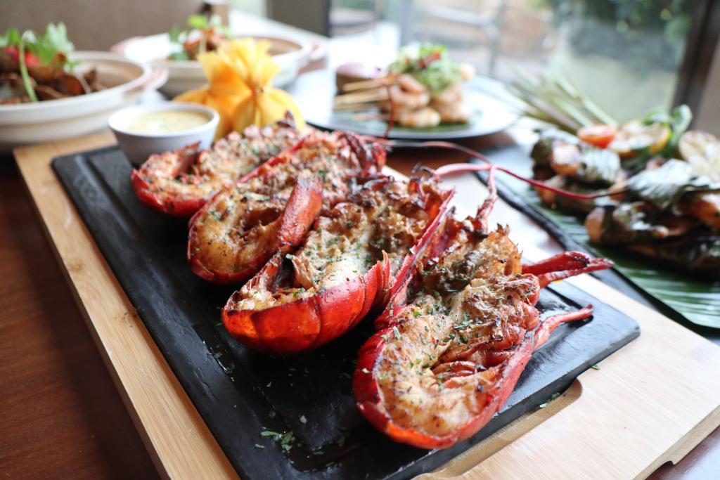 紅磡酒店4.5小時自助餐 任食即叫即燒生猛龍蝦