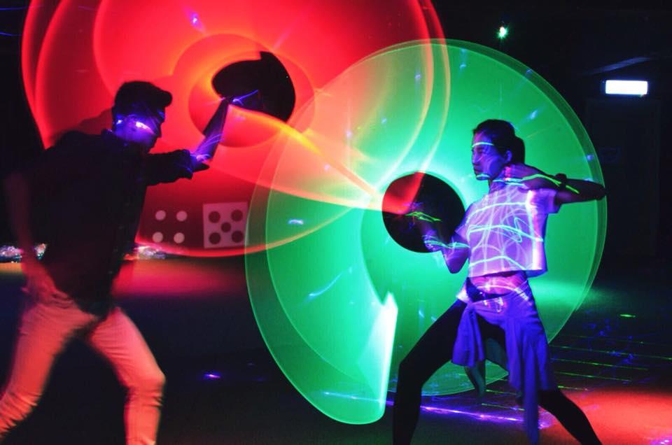 【荔枝角好去處】荔枝角Party Room玩盡4大設施 激光劍/鐳射槍/射箭/螢光波