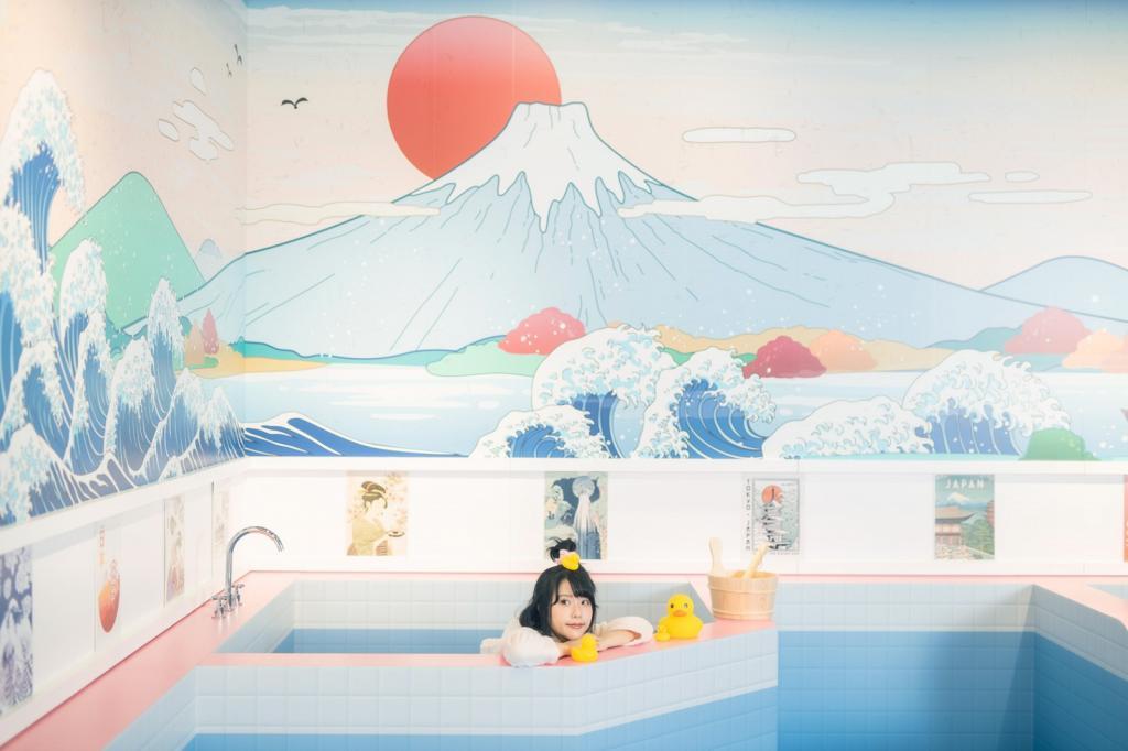 【聖誕好去處2020】日本白色飄雪聖誕佈置登陸荔枝角D2 Place!日式地道澡堂/冬日溫泉/雪國階梯