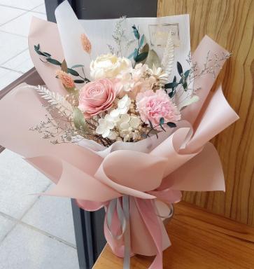 【母親節花束2021】香港8大母親節花束推薦 永生花束/康乃馨乾燥花/鍛帶花/花束水晶球