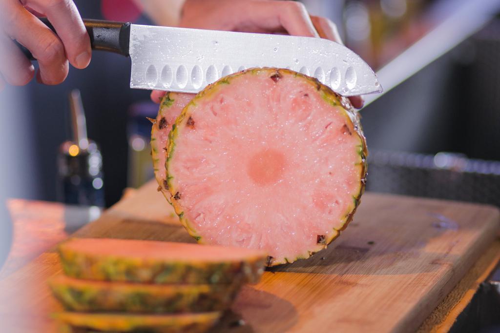 香港首度開賣地捫Pinkglow粉紅菠蘿! 指定惠康超市限量發售