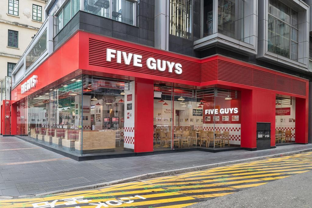 美國漢堡店Five Guys進駐奧海城!香港第7間分店將開幕 歎即叫即製漢堡/招牌花生醬奶昔