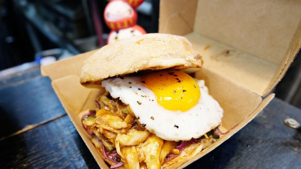 【荃灣美食】抵食即叫即整漢堡小食店 手撕雞漢堡/招牌大牛堡/蘇格蘭炸蛋