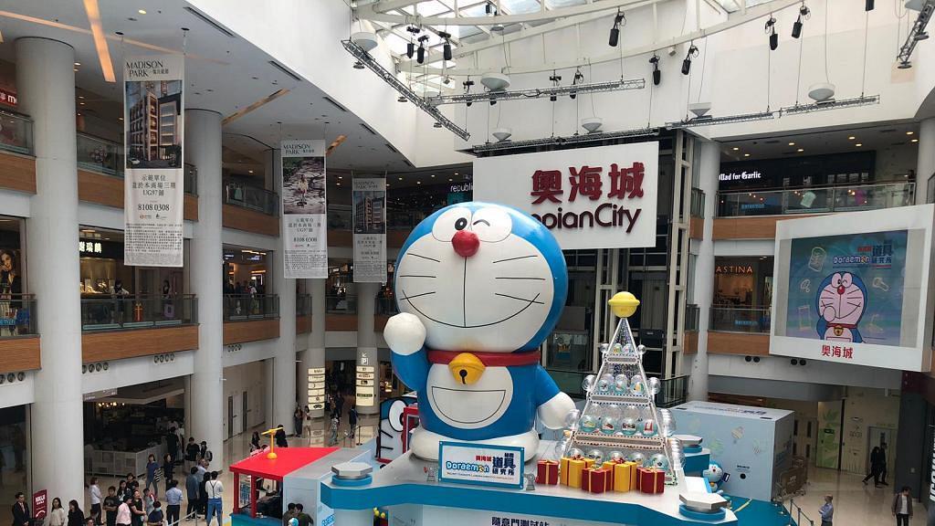 【聖誕節2018】20呎高多啦A夢登陸奧海城!隨意門/時光機/隱形斗篷/記憶面包
