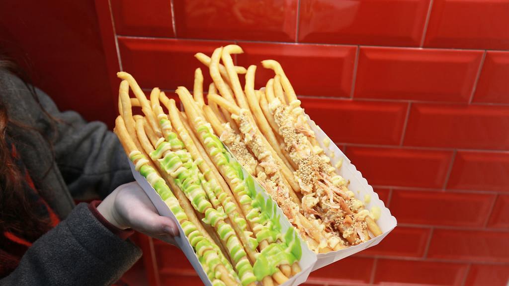 【旺角美食】旺角新開日式超長薯條店 超過10款醬汁口味+脆卜卜即切即炸
