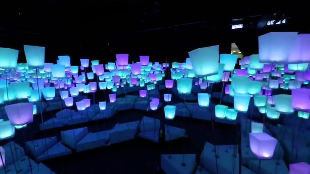 【荃灣好去處】荃灣愉景新城夢幻LED光影展!彩色天燈海+3大光影牆影相位
