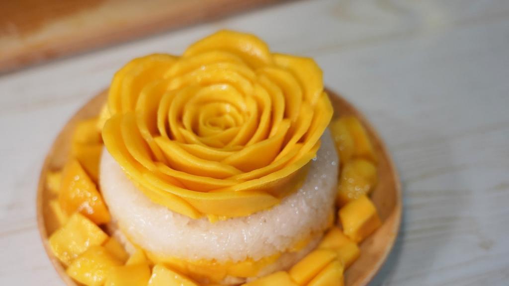 【佐敦美食】泰國人氣芒果糯米飯蛋糕  足料層層果肉/配自家製椰汁