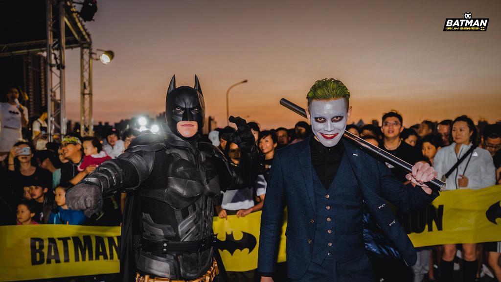 【西九龍好去處】蝙蝠俠夜跑2月登場!蝙蝠俠/小丑/小丑女選手包率先睇