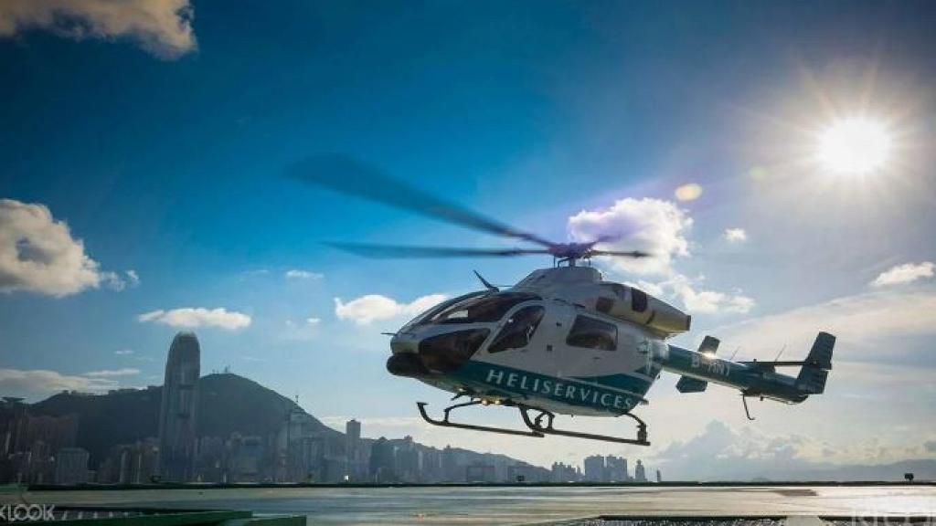 香港直升機空中暢遊+半島酒店下午茶體驗!限時優惠 俯瞰香港維港美景+嘆半島酒店茶點