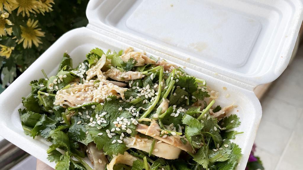 【大圍美食】大圍人氣食店華輝小食限定新品 超足料芫荽手撕雞登場!