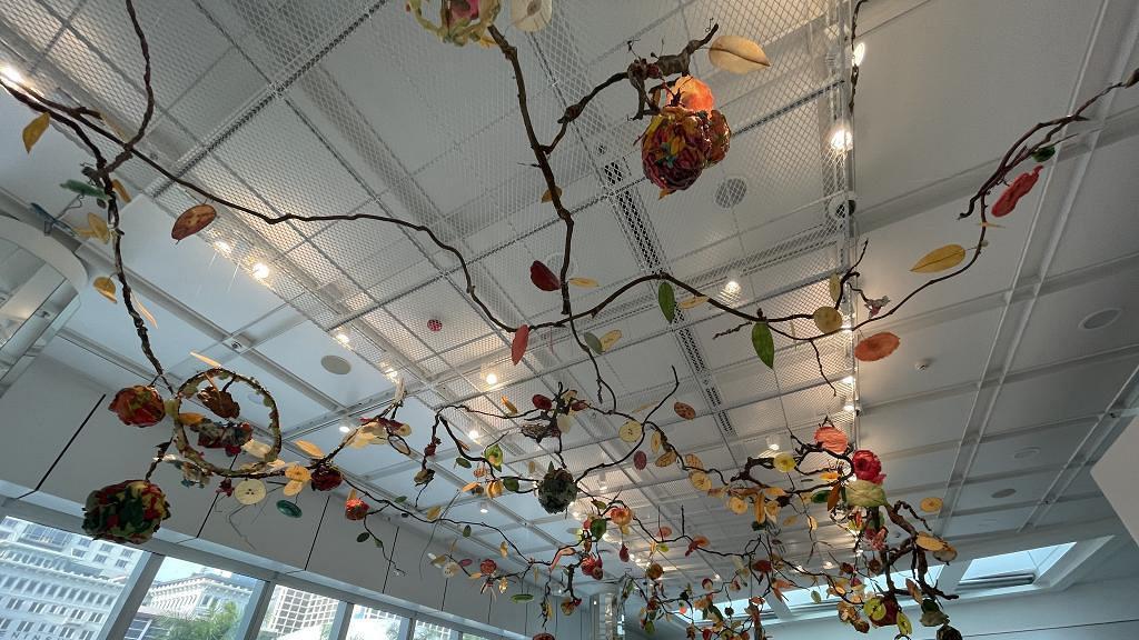 【尖沙咀好去處】尖沙咀時裝藝術展覽開鑼 白雲裝置/飄浮花園/OOTD試身室