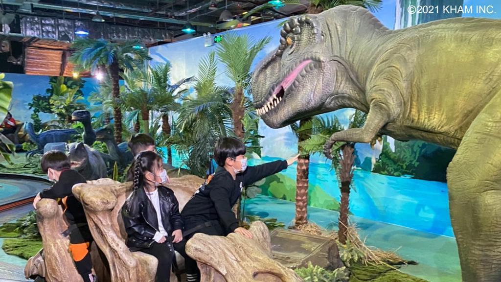 【九龍灣好去處】《侏羅紀X恐龍樂園》展覽登陸香港!3公尺巨型暴龍/恐龍頭骨車/早鳥優惠門票