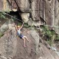 勁考膽量極限運動!飛索、溪降、跳潭一次玩齊