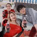 飲可口可樂同容祖兒、農夫Jam歌!電話掃招紙拍住歌星自製MV